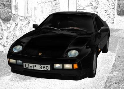 Porsche 928 S in black & white
