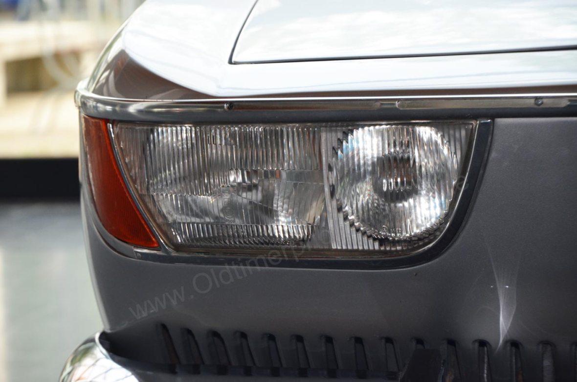 BMW 2000 CA mit Frontscheinwerfer Detailaufnahme