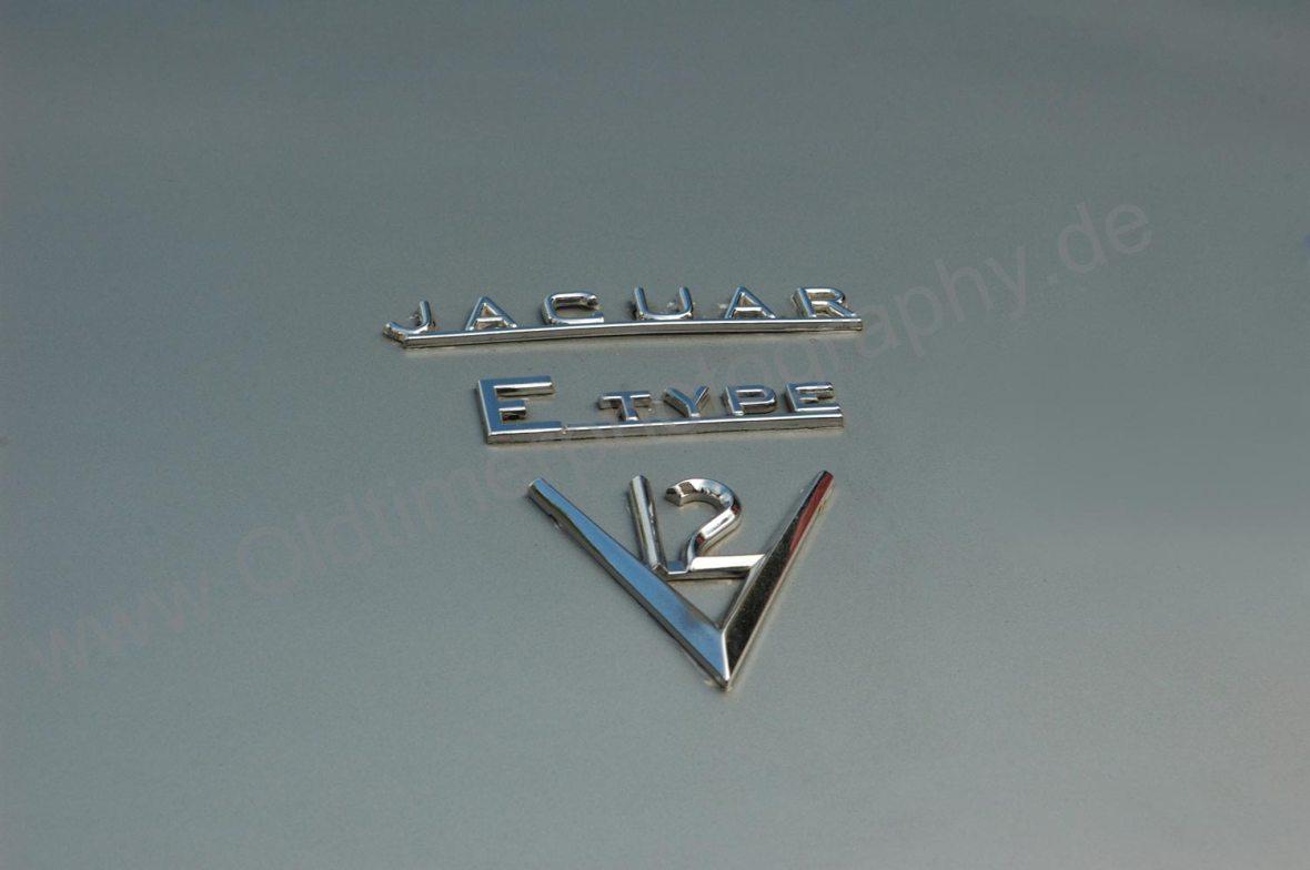Logo Jaguar E-Type Series III Roadster mit 5,3 Liter V12-Motor