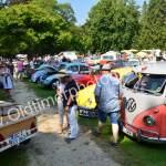 VW Käfer und Bulli'S geben sich ein Stelldichein in Wolfegg's Schlossgarten