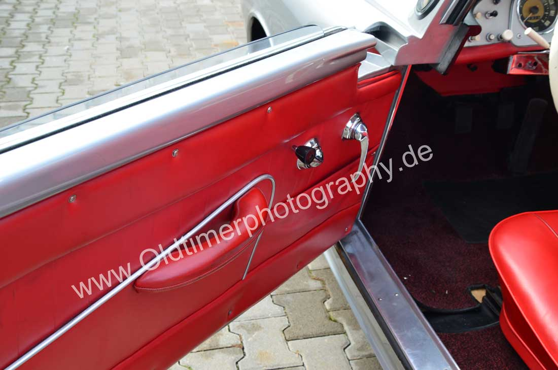 Auto Union 1000 SE millespecial mit roter Türverkleidung