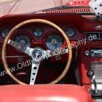 Ford Mustang 1 Cabriolet Interieur mit schön, abgegriffenem Holzlenkrad