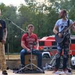Unplugged @ventures aus Meckenbeuren sorgten ab Sonntag für unverwechselbaren Sound und allerbeste Stimmung, auf dass so einige mittanzten