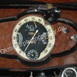Hotchkiss 686 Cabourg mit Tachometer und anderen integrierten Messinstrumenten von Jaeger