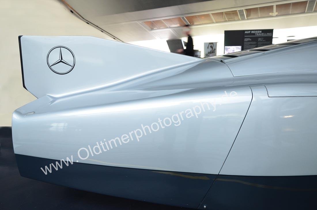 Mercedes-Benz C 111 mit lang gezogener Finne am Heck