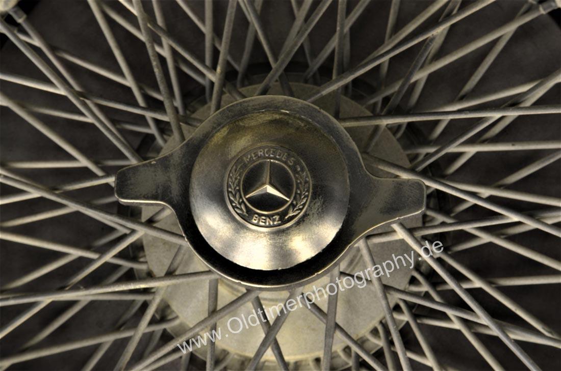 Mercedes-Benz W 25 Silberpfeil mit Schnellverschluss