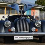 Morgan Plus 8 mit geöffneter Motorhaube front view