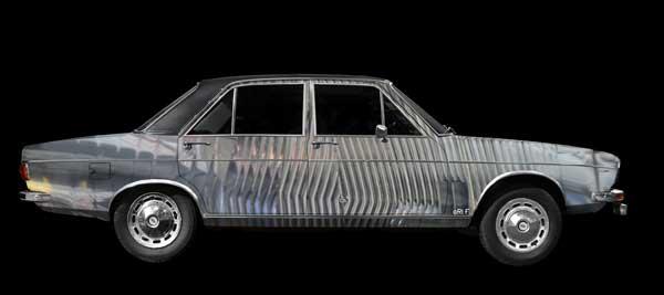 Audi 100 C1 in experimental colors