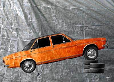 Audi 100 C1 in pure orange-silver foil