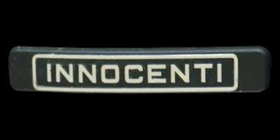 Logo Innocenti auf Mini Traveller