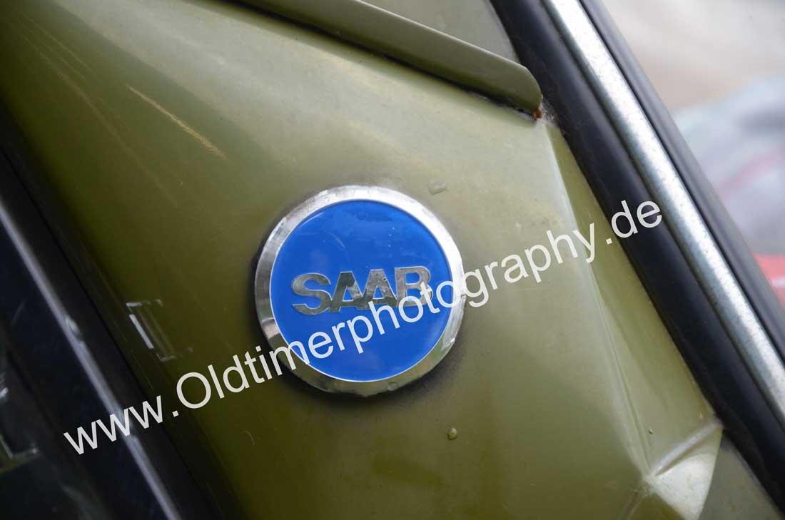 Logo SAAB oben auf der D-Säule
