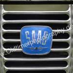 Logo Saab 96 mit stilisiertem Propellerflugzeug