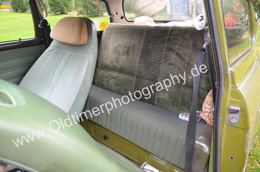 SAAB 96 vorne Kunstleder und auf der durchgehenden Rückbank Stoffbezüge
