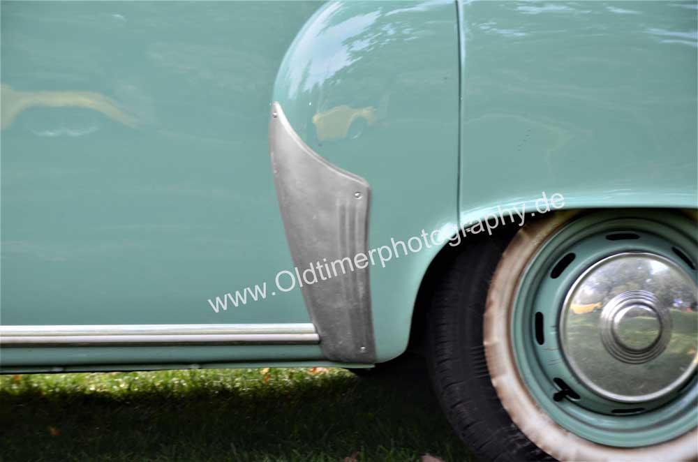 Wartburg 312 mit Schutzabdeckung aus Aluminium auf hinterem Kotflügel