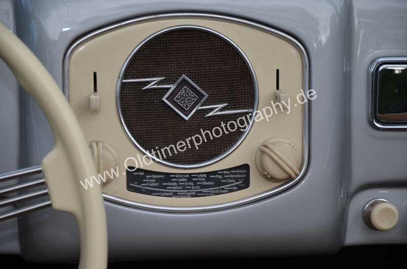 Porsche 356 A 1500 S mit Original-Radio von Telefunken