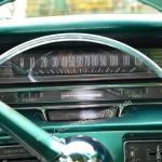 1959 Cadillac Serie 62 mit Bandtachometer bis 120 Meilen = 193 km/h