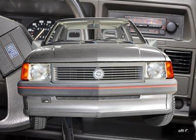 Opel Corsa A mit Interieur in Originalfarben