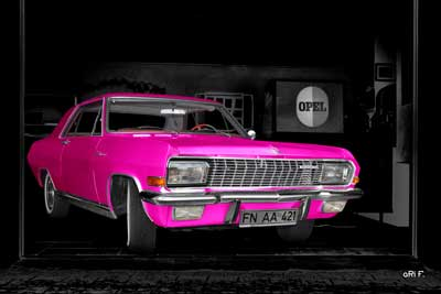 Opel Diplomat V8 Coupé Poster in pink & black