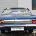 Opel Diplomat A Heckansicht und verchromten Heckverblendungen, das Mittelblech verdeckt die Tanköffnung