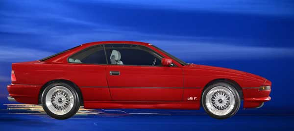 BMW 850 E31 in red & blue