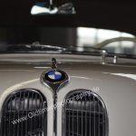 BMW 502 Detailansicht Motorhaube mit BMW Logo