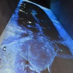 Stop-Motion-Film mit fallenden Wassertropfen, Bildhöhe17 Meter hoch