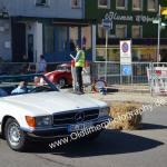 Mercedes-Benz R107 im Stadtrundkurs beim Oldtimertreffen Meßkirch
