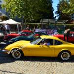 Opel GT beim Oldtimertreffen in Meßkirch auf dem Weg zum Rundkurs in der Innenstadt