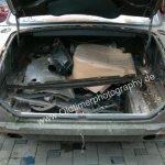 Jaguar XJ12 Double Six Kofferraum mit einigen Ersatzteilen aufgefüllt