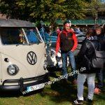 Benzingespräche um einen VW Bus bei der 7. Kressbronn Classics