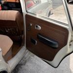 VW 411 mit geöffneter Seitentüre