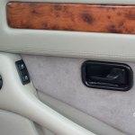 Maserati Quattroporte IV Innenraum mit eingebauten Stereoboxen in den Seitentüren
