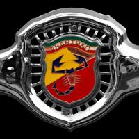 Logo Abarth auf Fiat 500 Abarth