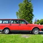Volvo 240 Kombi in rot Seitenansicht