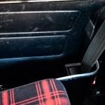 Mini 1000 Super mit Sicherheitsgurt in einem Extra-Schacht untergebracht