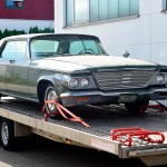 1964 Chrysler Newport auf Autotransporter