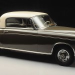 Wahlweise mit hydraulischem Kupplungsautomat Hydrak: Mercedes-Benz 220 S Coupé (Baureihen W 180/W 128, 1956 bis 1960). Optionally available with Hydrak, a hydraulic automatic clutch: Mercedes-Benz 220 S coupe (W 180/W 128 series, 1956 - 1960).
