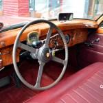 Jaguar Mark IX Interieur mit Echtholz ausgetäfelt