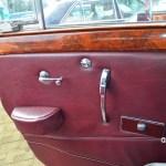 Jaguar Mark IX belederte Seitentüre und Ausstellfenster hinten