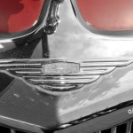 Jaguar Mark IX mit Logo Jaguar im Kühlergrill