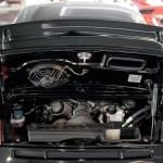 Porsche 911 GT3 3.8 mit geöffneter Motorhaube