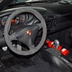 Porsche 911 GT3 RS Typ 996 und Lenkrad mit Alcantara ummantelt