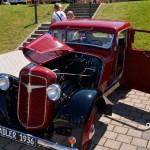 Adler Trumpf Junior 1E- Limousine mit geöffneter Motorhaube