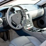 Maserati GranTurismo S Interieur mit grauem Leder