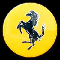 Logo Ferrari auf Radkappe bei Felge von 458 Spider