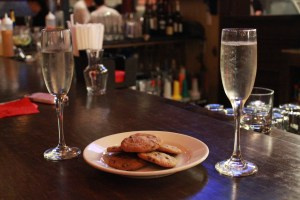 Bond-Prosecco and Cookies