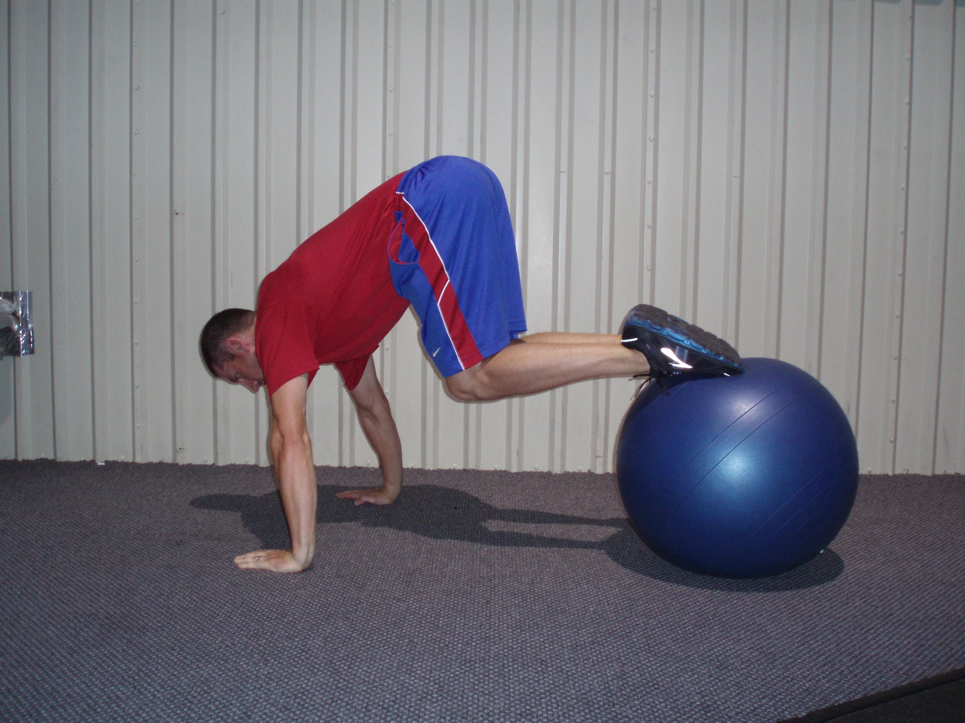 Fitball Knee Tuck