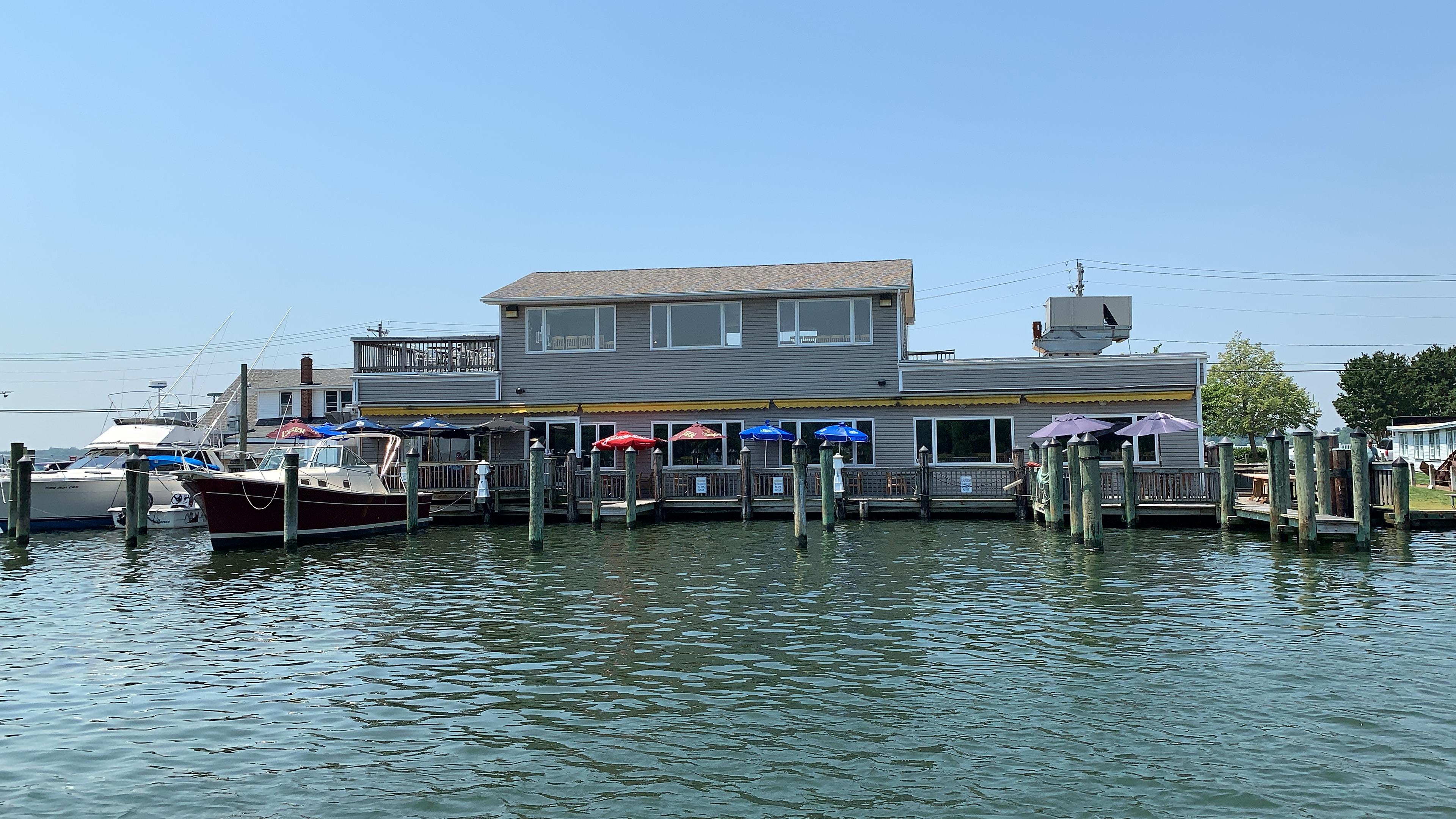 Kingfishers Seafood, Bar & Grill