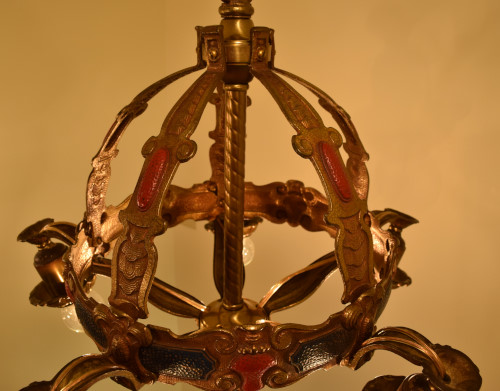 Crown, interior view