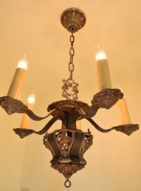 Riddle chandelier, full view, lit